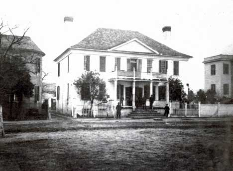Historical image of 607 Bay Street in Black and White.